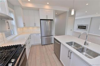 Photo 13: 298 Lone Oak Place in VICTORIA: La Mill Hill Single Family Detached for sale (Langford)  : MLS®# 419204