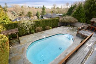 "Photo 16: 64 WOODLAND Drive in Delta: Tsawwassen East House for sale in ""THE TERRACE"" (Tsawwassen)  : MLS®# R2432092"