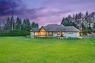 Photo 2: 12020 264 Street in Maple Ridge: Websters Corners House for sale : MLS®# R2444894