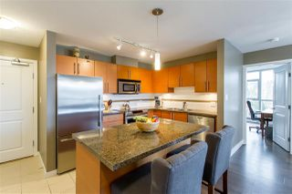 """Photo 4: 902 2225 HOLDOM Avenue in Burnaby: Central BN Condo for sale in """"Legacy Towers"""" (Burnaby North)  : MLS®# R2463125"""