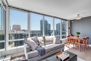 Photo 3: 2705 928 BEATTY Street in Vancouver: Yaletown Condo for sale (Vancouver West)  : MLS®# R2466444