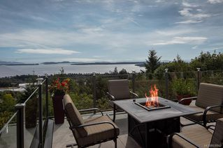 Photo 1: 8823 Forest Park Dr in North Saanich: NS Dean Park House for sale : MLS®# 838942