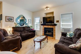Photo 3: 738 Carriage Lane Drive: Carstairs Duplex for sale : MLS®# A1019396