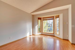 Photo 9: 35 Rivercrest Way SE in Calgary: Riverbend Detached for sale : MLS®# A1042507