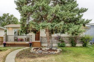 Main Photo: 5611 TRAVIS Crescent NE in Calgary: Thorncliffe Detached for sale : MLS®# A1043968