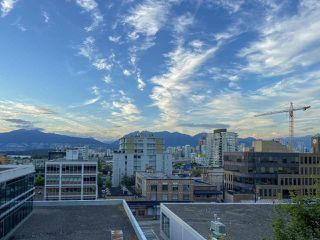 Photo 2: 704 1575 W 10TH AVENUE in Vancouver: Fairview VW Condo for sale (Vancouver West)  : MLS®# R2480004