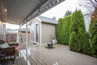 """Photo 20: 15834 ESSEX Place in Surrey: King George Corridor Manufactured Home for sale in """"Cranley Place"""" (South Surrey White Rock)  : MLS®# R2520166"""
