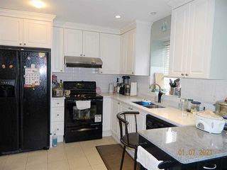 Photo 6: 2225 E 45TH Avenue in Vancouver: Killarney VE House for sale (Vancouver East)  : MLS®# R2528227