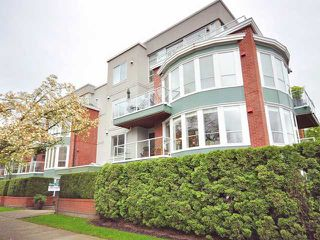 "Main Photo: 207 2288 W 12TH Avenue in Vancouver: Kitsilano Condo for sale in ""CONNAUGHT POINT"" (Vancouver West)  : MLS®# V820109"