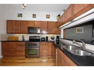 "Photo 3: 34 795 W 8TH Avenue in Vancouver: Fairview VW Townhouse for sale in ""DOVER POINTE"" (Vancouver West)  : MLS®# V867734"