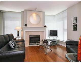 "Photo 2: 303 1790 BAYSHORE Drive in Vancouver: Coal Harbour Condo for sale in ""BAYSHORE GARDENS"" (Vancouver West)  : MLS®# V731015"