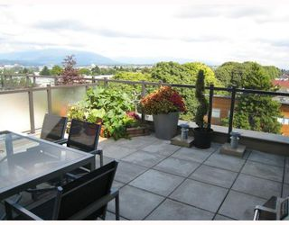 Photo 2: 402 2635 PRINCE EDWARD Street in Vancouver: Mount Pleasant VE Condo for sale (Vancouver East)  : MLS®# V731701