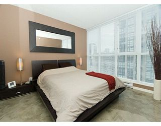 "Photo 5: 1199 SEYMOUR Street in Vancouver: Downtown VW Condo for sale in ""BRAVA"" (Vancouver West)  : MLS®# V625814"
