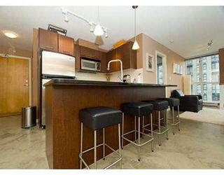 "Photo 8: 1199 SEYMOUR Street in Vancouver: Downtown VW Condo for sale in ""BRAVA"" (Vancouver West)  : MLS®# V625814"