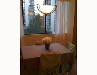 """Photo 5: 508 4105 MAYWOOD Street in Burnaby: Metrotown Condo for sale in """"TIMES SQUARE"""" (Burnaby South)  : MLS®# V742510"""