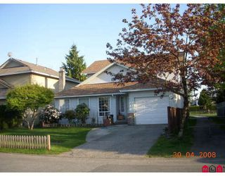 Photo 1: 15476 95A Avenue in Surrey: Fleetwood Tynehead House for sale : MLS®# F2909451