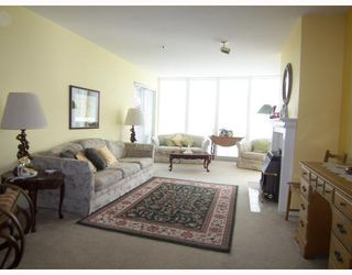Photo 2: 309 2335 WHYTE Avenue in Port_Coquitlam: Central Pt Coquitlam Condo for sale (Port Coquitlam)  : MLS®# V768459