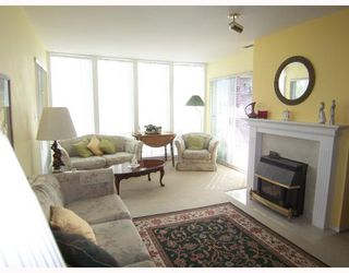 Photo 3: 309 2335 WHYTE Avenue in Port_Coquitlam: Central Pt Coquitlam Condo for sale (Port Coquitlam)  : MLS®# V768459