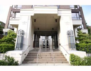 """Main Photo: 502 1003 PACIFIC Street in Vancouver: West End VW Condo for sale in """"SEA STAR"""" (Vancouver West)  : MLS®# V770438"""