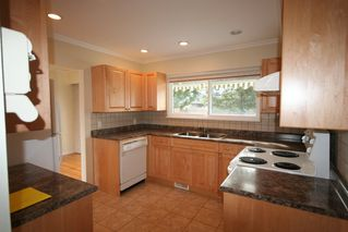 Photo 3:  in Richmond: Home for sale : MLS®# v872870