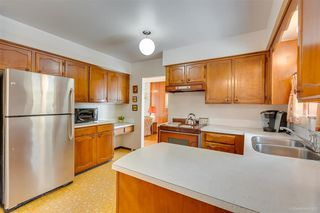 """Photo 13: 1383 GROVER Avenue in Coquitlam: Central Coquitlam House for sale in """"CENTRAL COQUITLAM"""" : MLS®# R2392171"""
