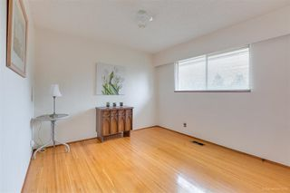 """Photo 17: 1383 GROVER Avenue in Coquitlam: Central Coquitlam House for sale in """"CENTRAL COQUITLAM"""" : MLS®# R2392171"""
