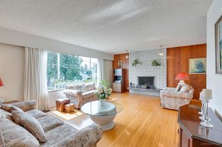 """Photo 7: 1383 GROVER Avenue in Coquitlam: Central Coquitlam House for sale in """"CENTRAL COQUITLAM"""" : MLS®# R2392171"""