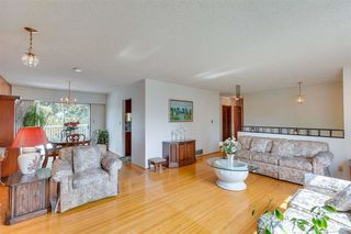 """Photo 9: 1383 GROVER Avenue in Coquitlam: Central Coquitlam House for sale in """"CENTRAL COQUITLAM"""" : MLS®# R2392171"""