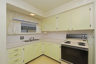 Photo 4: 413 SCHOOL Street in New Westminster: The Heights NW House for sale : MLS®# R2410340