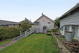 Photo 15: 413 SCHOOL Street in New Westminster: The Heights NW House for sale : MLS®# R2410340