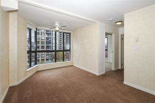 """Photo 7: 604 488 HELMCKEN Street in Vancouver: Yaletown Condo for sale in """"ROBINSON TOWER"""" (Vancouver West)  : MLS®# R2418705"""