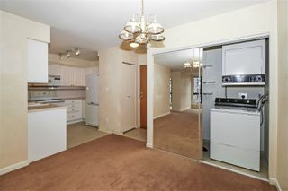 """Photo 5: 604 488 HELMCKEN Street in Vancouver: Yaletown Condo for sale in """"ROBINSON TOWER"""" (Vancouver West)  : MLS®# R2418705"""