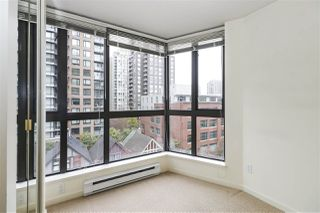 """Photo 14: 604 488 HELMCKEN Street in Vancouver: Yaletown Condo for sale in """"ROBINSON TOWER"""" (Vancouver West)  : MLS®# R2418705"""