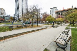 """Photo 18: 604 488 HELMCKEN Street in Vancouver: Yaletown Condo for sale in """"ROBINSON TOWER"""" (Vancouver West)  : MLS®# R2418705"""