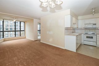 """Photo 6: 604 488 HELMCKEN Street in Vancouver: Yaletown Condo for sale in """"ROBINSON TOWER"""" (Vancouver West)  : MLS®# R2418705"""