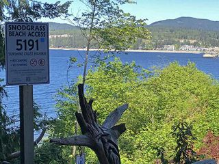 Photo 3: 5147 SUNSHINE COAST Highway in Sechelt: Sechelt District House for sale (Sunshine Coast)  : MLS®# R2433280
