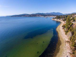 Photo 1: 5147 SUNSHINE COAST Highway in Sechelt: Sechelt District House for sale (Sunshine Coast)  : MLS®# R2433280