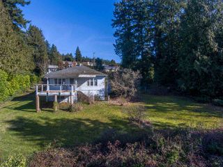 Photo 15: 5147 SUNSHINE COAST Highway in Sechelt: Sechelt District House for sale (Sunshine Coast)  : MLS®# R2433280