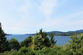 Photo 2: 5147 SUNSHINE COAST Highway in Sechelt: Sechelt District House for sale (Sunshine Coast)  : MLS®# R2433280