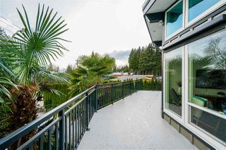Photo 2: 330 MARINER Way in Coquitlam: Coquitlam East House for sale : MLS®# R2443394