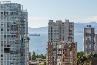 """Photo 5: 2701 1372 SEYMOUR Street in Vancouver: Yaletown Condo for sale in """"The Mark"""" (Vancouver West)  : MLS®# R2493210"""