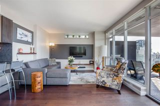 """Photo 7: 2701 1372 SEYMOUR Street in Vancouver: Yaletown Condo for sale in """"The Mark"""" (Vancouver West)  : MLS®# R2493210"""