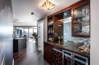 """Photo 11: 2701 1372 SEYMOUR Street in Vancouver: Yaletown Condo for sale in """"The Mark"""" (Vancouver West)  : MLS®# R2493210"""