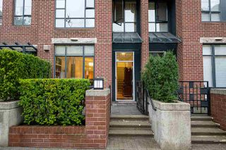 "Photo 1: 2270 REDBUD Lane in Vancouver: Kitsilano Townhouse for sale in ""ANSONIA"" (Vancouver West)  : MLS®# R2508791"