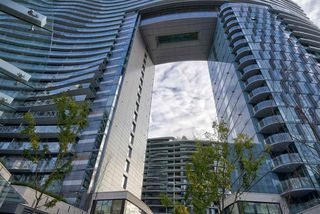 "Photo 3: 2508 89 NELSON Street in Vancouver: Yaletown Condo for sale in ""THE ARC"" (Vancouver West)  : MLS®# R2516690"