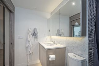 "Photo 13: 2508 89 NELSON Street in Vancouver: Yaletown Condo for sale in ""THE ARC"" (Vancouver West)  : MLS®# R2516690"