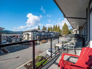 "Photo 11: 5978 OLDMILL Lane in Sechelt: Sechelt District Townhouse for sale in ""EDGEWATER"" (Sunshine Coast)  : MLS®# R2524151"