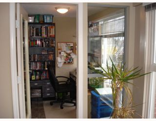 """Photo 8: 204 2025 STEPHENS Street in Vancouver: Kitsilano Condo for sale in """"STEPHENS COURT"""" (Vancouver West)  : MLS®# V806297"""