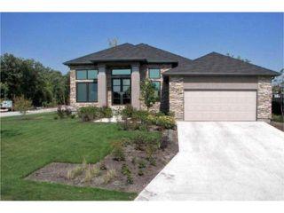 Photo 1: 2 Grand Oaks Cove in WINNIPEG: Westwood / Crestview Residential for sale (West Winnipeg)  : MLS®# 1001734