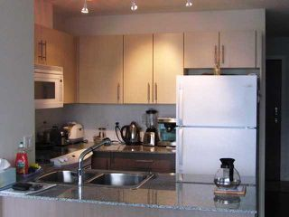 "Photo 3: 2504 550 TAYLOR Street in Vancouver: Downtown VW Condo for sale in ""TAYLOR"" (Vancouver West)  : MLS®# V820139"